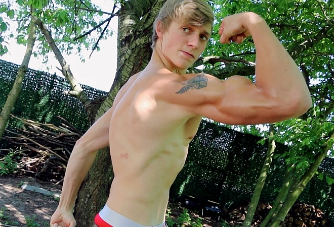 Exclusive - Muscle Flex - Casting 10