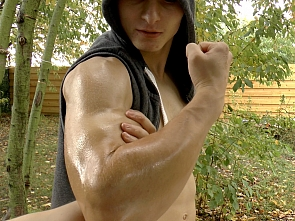 Muscle Flexing - Oil Massage