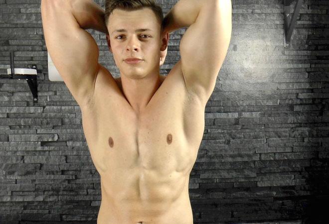Muscle Flex - Casting 17