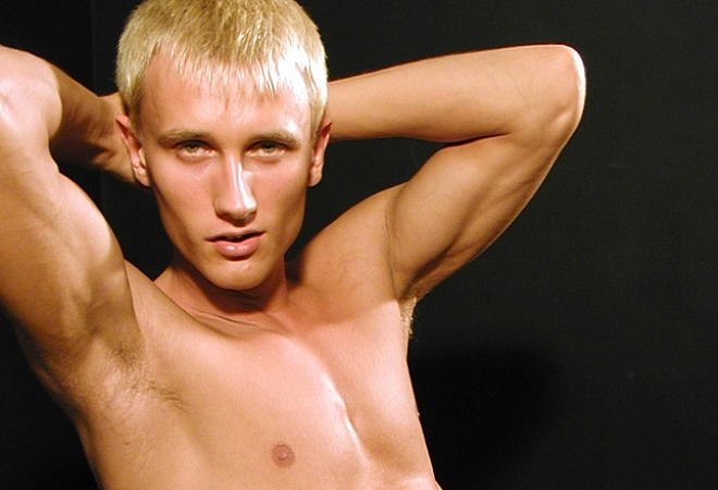 PL Studio - Blond Muscle Guy 2