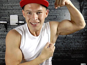 Muscle Flexing - Workout